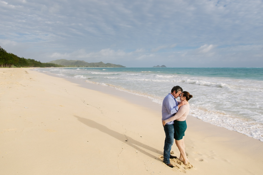 couple portrait at sherwood beach waimanalo